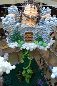 The story of Jack and Beanstalk recreated with balloons