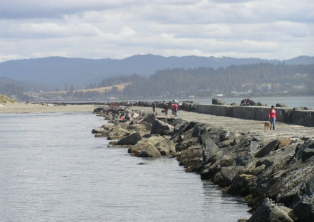 1621P3north-jetty-people.jpg