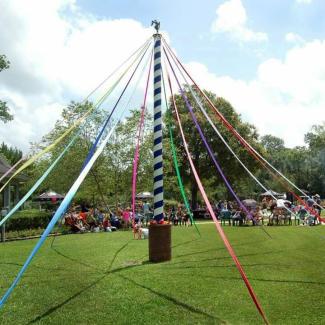 Maypole at Beaumont Maypole Festival
