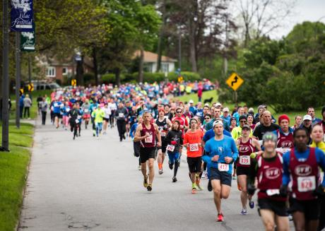 Runners at the Rochester Lilac Festival Run
