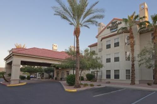 Homewood Suites Phoenix Chandler Hotel exterior