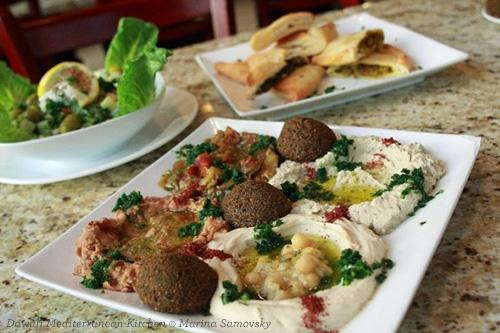 Falafel platter with pita and side salad