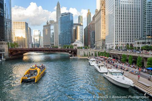 Chicago Riverwalk and boat tours on the river