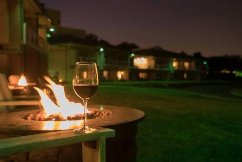 Four Seasons with fire pit