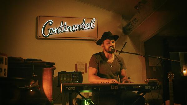 Keyboardist at the Continental Club