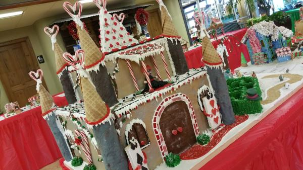 Gingerbread Alice in Winterland