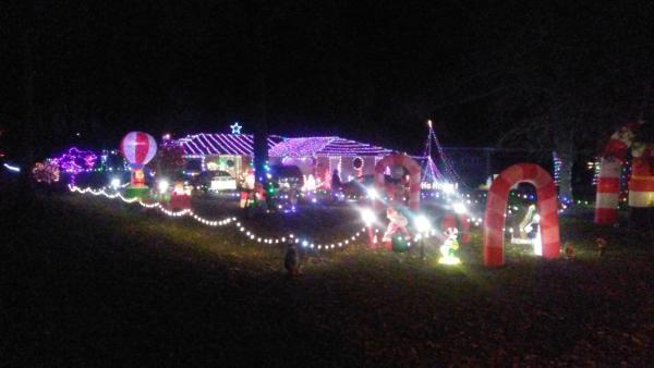 1127 W Ludwig - Best Christmas Lights Display - North - Fort Wayne