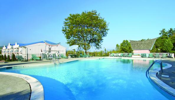 tiki_resort2.jpg
