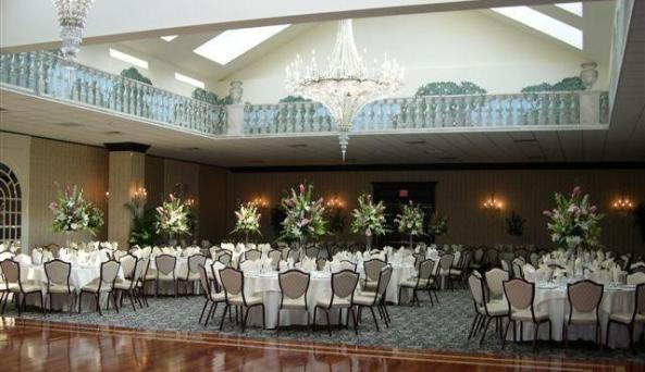 10D. Inn at East Wind Banquet Room.jpg