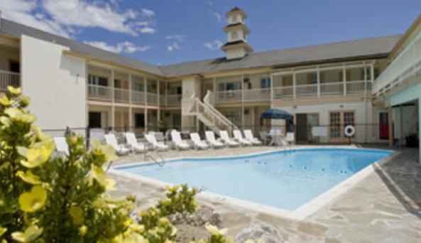 Wave Inn