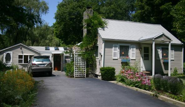 pic-cottage-frontview3.jpg