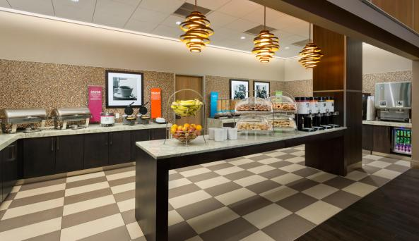 Hampton Inn Free Hot Breakfast