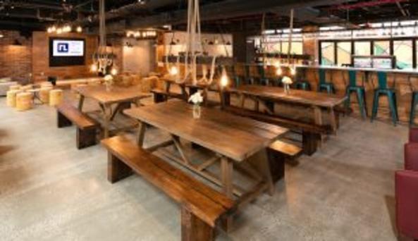 Bar & Lounge Communal Seating