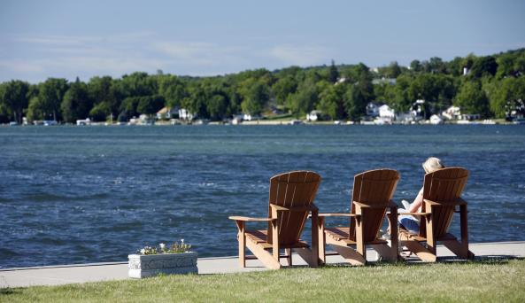 The-Inn-on-the-Lake-Canandaigua-Finger-Lakes-relax