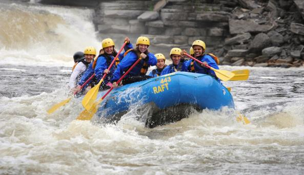 Spring Time Whitewater Rafting on the Black