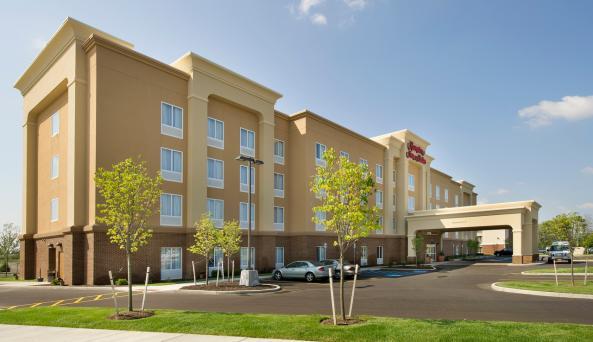 Hampton Inn & Suites Buffalo Airport Exterior