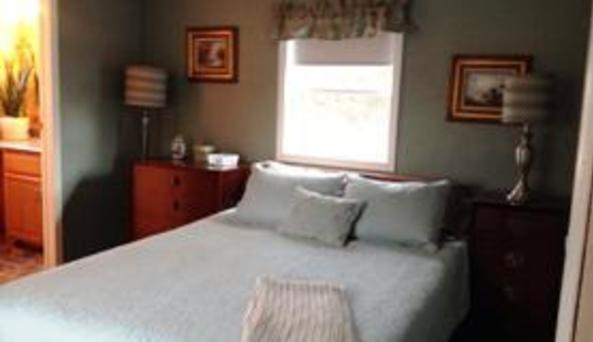 Cove Cottages bedroom