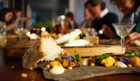 flx-table-geneva-uni-and-bread
