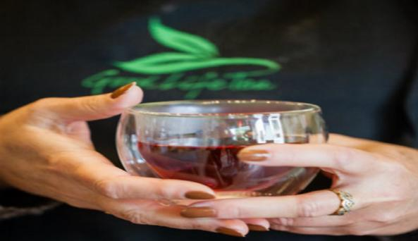 good-life-tea-canandaigua-hands