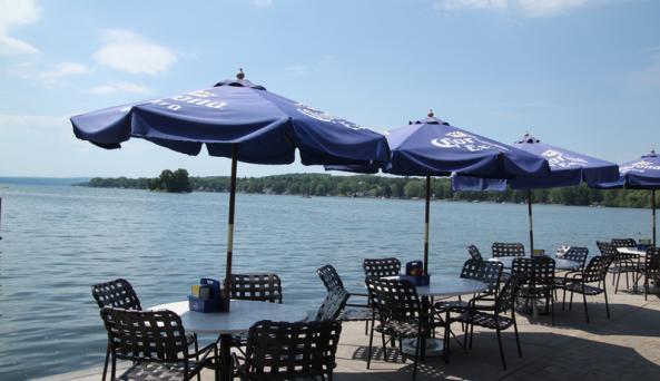 inn-on-the-lake-canandaigua-sandbar-tables-on-lake