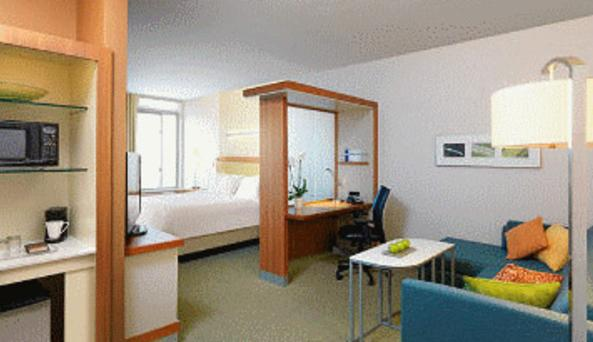 King Suite - SpringHill Suites Buffalo Airport