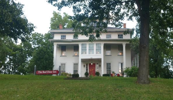 the-red-door-inn-canandaigua-exterior