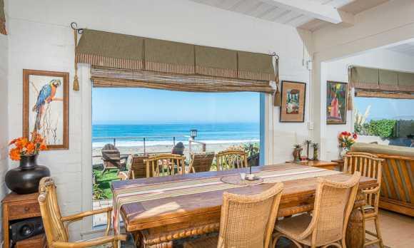 beach house dinning