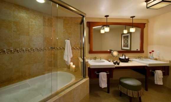 AvilaVillageInnBath-Standard Deluxe Room.jpg