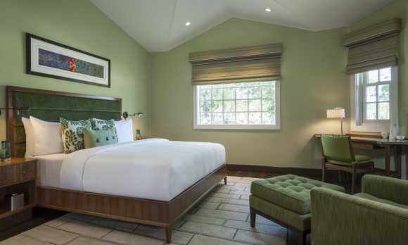 JUSTIN_Isosceles_Bedroom.jpg
