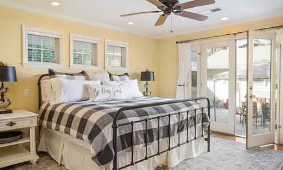 13th Street Retreat Bed