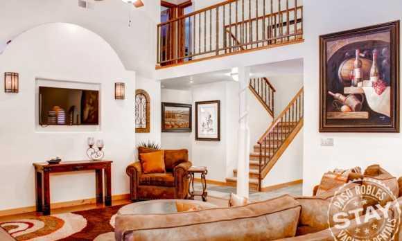 Solitude 2 - Living Room.jpg_small.jpg