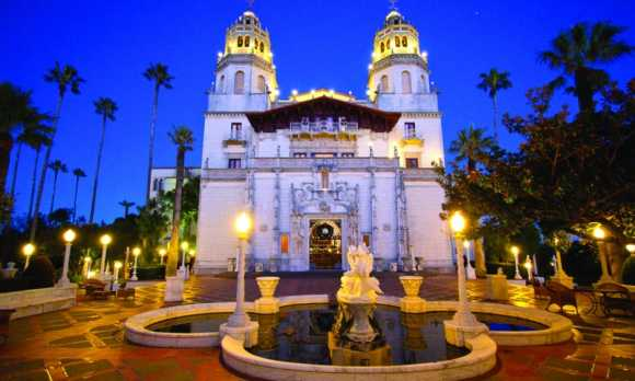 RPSS_12 Ragged Point San Simeon Hearst Castle at Night.jpg