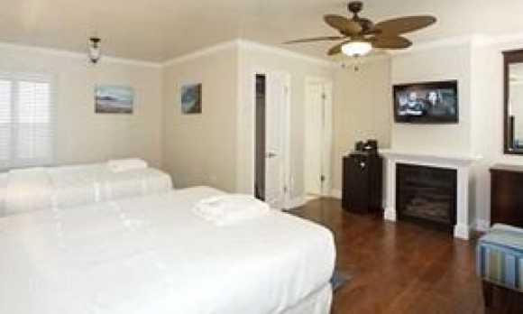Room 2beds.jpg