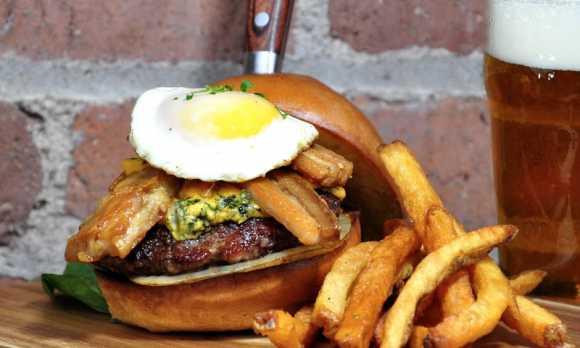 SLOVisitors_0000_Growler-Burger.jpg