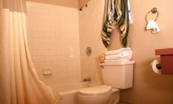 4 bath shower.jpg