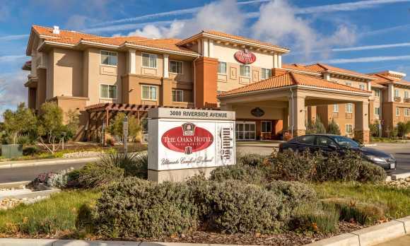 The Oaks Hotel