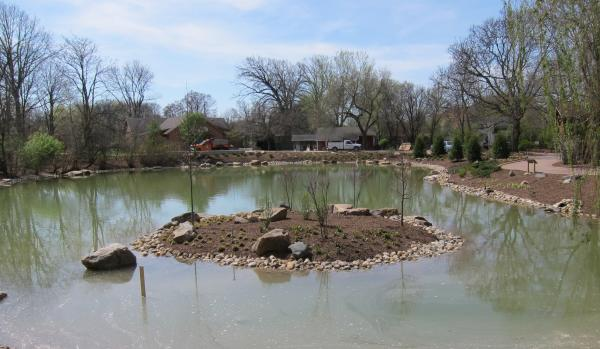 Fort Wayne Zoo central pond