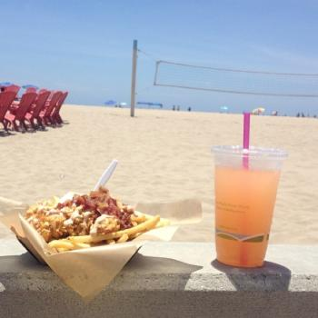 What is more heavenly than bacon by the beach? (Photo courtesy of jerbear069 / Instagram)
