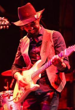 guitarist-mishawaka