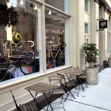 Rouler- Coffee and Bike Shop