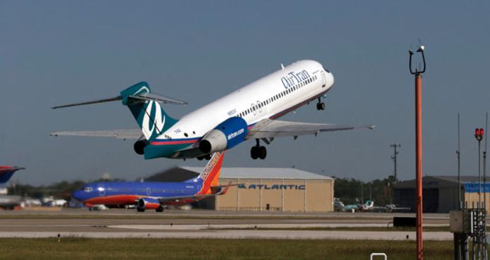 Houston Airliner Taking Off