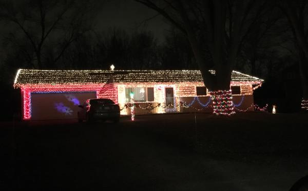 Best Christmas Lights Display - 4728 Willow Brook Drive
