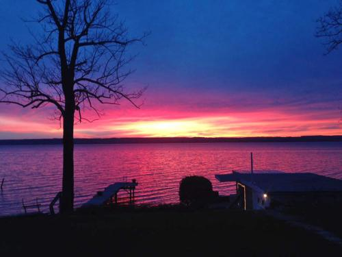 seneca-lake-sunset