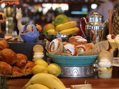 habana irvine brunch pastries