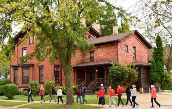 Mansion Hill West Historic Architecture Walking Tour: Meet Movers and Shakers