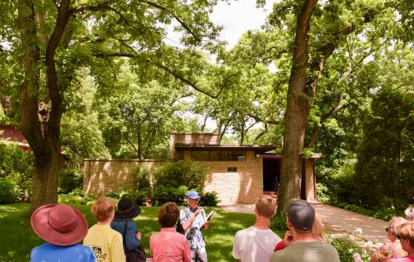 Sunset Hills Historic Architecture Walking Tour: Mad Mid Mod