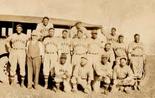The Kansas City Monarchs in Our Hometown