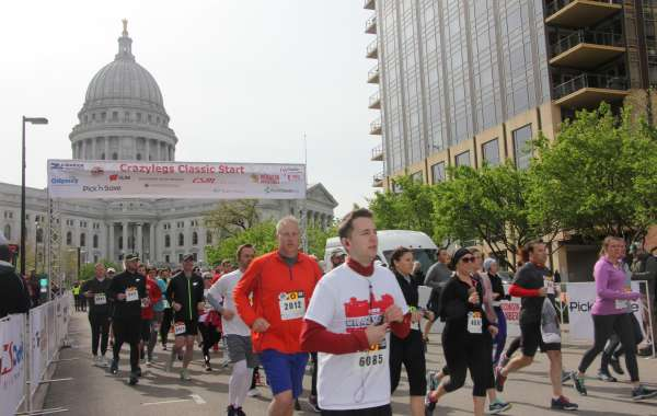 37th Annual Crazylegs Classic 8K run / 2 mile walk