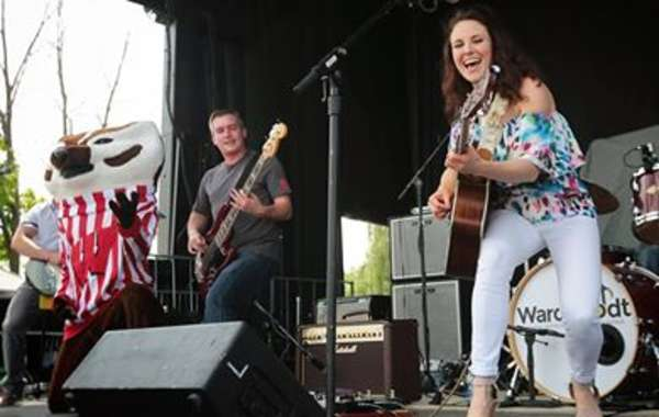 Katie Scullin - Live at The Lone Girl Brewing Company