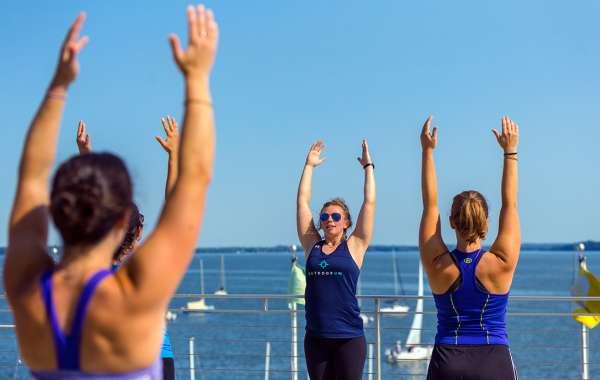 Weekday Terrace Yoga